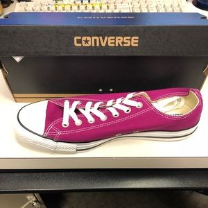 Converse sneakers Brand New!!